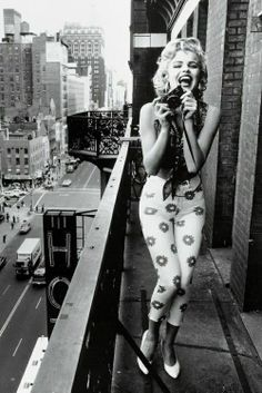 Marylin Monroe. Love this picture!!