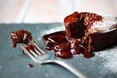 Čokoládový fondant schilli avišněmi – Jezte sláskou