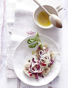 Semmelknödel-Salat mit Liebstöckel und Radieschen - Rezepte: Sommer-Salate - 16 - [ESSEN  TRINKEN]