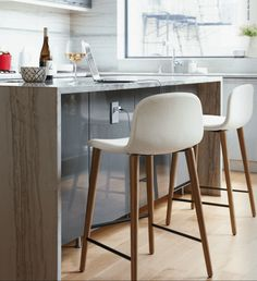 Modern Counter Stools With Backs 99 Perfect Photos Counter Stools With Backs, Modern Counter Stools, Dining Stools, Kitchen Counter Stools, Bar Stools, Dining Room, Elle Decor Magazine, Chaise Bar, High Stool