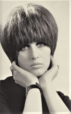 "mudwerks: ""(via Femme Fatale: Julie Driscoll) "" Julie Driscoll, Short Hair Cuts, Short Hair Styles, Hair With Flair, 1960s Hair, French New Wave, Mod Girl, Beehive Hair, Uk Music"