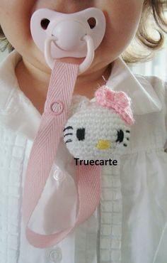 Portachupete Hello Kitty amigurumi