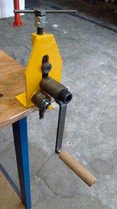 mini calandra manual para arames, pequenos tubos e barras
