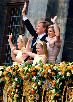 Willem-Alexander becomes Netherlands new king as Beatrix abdicates