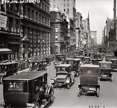 Easter 1913, New York. Fifth Avenue looking north.