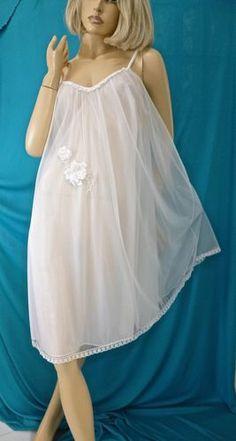 VTG VANTIY FAIR-60'S BLUE LABEL SHEER CHIFFON WHITE LACE BRIDAL NIGHTGOWN-S-EUC