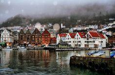 Probablemente la tradición de la postal, surgió de este maravilloso rincón de Noruega: Bergen. Y si no fue así, me da igual!, yo seguiré pensándolo...