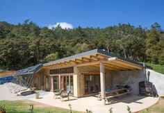Grand Designs Earthship Te Timatanga - Earth houses for Rent in Hikuai, Waikato, New Zealand Earthship Home Plans, Earthship Design, Maison Earthship, Mud House, Underground Homes, Earth Homes, Natural Building, Green Building, Sustainable Architecture