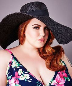 Tess Holliday Interview - Body Positive Plus Size Model | Tess Holliday on body image, fame, and what it means to be an outlier in the modeling world. #refinery29 http://www.refinery29.com/2015/06/88400/tess-holliday-body-image #bodypositve Quotes  #IGIGI #IGIGIreads