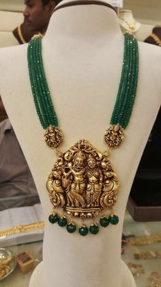 Temple Jewellery latest jewelry designs - Page 11 of 125 - Indian Jewellery Designs Gold Jewellery Design, Bead Jewellery, Pendant Jewelry, Designer Jewellery, Handmade Jewellery, Jewelry Necklaces, Gold Pendent, Emerald Jewelry, Gold Jewelry