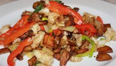 Nydelig Spicy Torskepanne Fish And Seafood, Kung Pao Chicken, Fish Recipes, Nom Nom, Spicy, Food And Drink, Meat, Ethnic Recipes, Beef