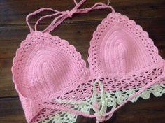 Bikini สีชมพูอ่อน สีครีม size 32 ไหม summer เป็นสายผูกหลังและคอ สินค้ามีพร้อมส่งนะคะ