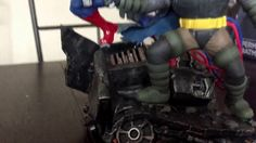 DC Collectibles The Dark Knight Returns Superman Batman Statue - YouTube