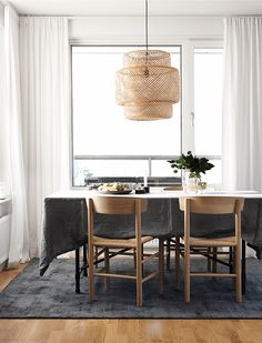 Looking at what is trending in Sweden right now, this flat ticks all the right boxes: walls painted in grey, green and dark blue, natural m...