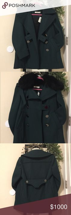 💯ALTUZARRA FOX FUR-TRIMMED WOOL COAT. 💯 Authentic purchase from Neiman Marcus(paid over $1,000 for this coat) .Real Fox Fur,Dark Green Altuzarra wool jacket with fox fur trim at collar, long sleeves, dual flap pockets at hips and double-breasted button closures at center front.Italia size 42 --> US size good for XS - M , depends how you want it fit. Altuzarra Jackets & Coats