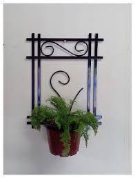 Resultado de imagem para suporte para vasos de plantas em ferro Wrought Iron Gates, Art N Craft, Garden Features, Metal Artwork, Garden Accessories, Bottle Holders, Metal Crafts, Diy Garden Decor, Metal Furniture
