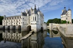 You're looking at Chateau de Chenonceau, the most visited and photographed chateau of the Loire Valley in France #chenonceau #loire #chateau