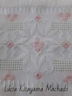 Types Of Embroidery, Hand Embroidery Patterns, Embroidery Stitches, Embroidery Designs, Pineapple Embroidery, Hardanger Embroidery, Baby Girl Blankets, Satin Stitch, Crochet Trim