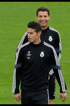 James y Ronaldo  2 grandes del futbol