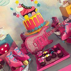 Chocolates lindos da @chocolatesdacarol #fiestasinfantiles #festainfantil #festamenina #festasouluna #souluna #festanaescola #soyluna #fiestasoyluna #decorsouluna
