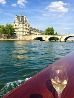 A private seine cruise in a Venetian water taxi is by far the most luxurious way to see Paris from the river. Here is our review.