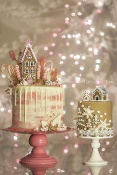 ❄☃ Christmas Cakes Cookies Cupcakes Sweets ☃❄ Pink Gingerbread Drip Cake Christmas Desserts, Christmas Cakes, Fondant Christmas Cake, Christmas Birthday Cake, Christmas Cake Topper, Xmas Cakes, Christmas Cake Decorations, Christmas Recipes, Holiday Cakes