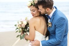 All brides dream of finding the perfect wedding, but for this they need the best wedding outfit, with the bridesmaid's dresses actually complimenting the brides-to-be dress. Here are a number of tips on wedding dresses. Wedding Poses, Wedding Tips, Wedding Couples, Wedding Bride, Wedding Ceremony, Wedding Planning, Wedding Day, Wedding Dresses, Reception