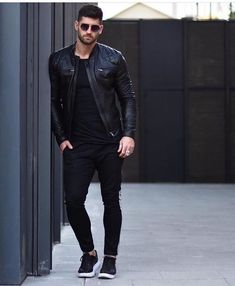 1 2 3 4 or 5 Which one is the best? Mens Fashion Wear, Suit Fashion, Fashion Pants, Trendy Fashion, 80s Fashion, Spring Fashion, Luxury Fashion, Fashion Tips, Stylish Mens Outfits