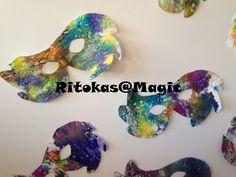 Mascaras de cera  Restos de lápis de cera, papel vegetal e ferro de engomar