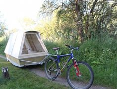 This is a minimalist, mobile, floating micro shelter that you can tow by bicycle. It's called the Water Bed and was created by a Royal College of Art graduate named Daniel Durnin. Designed to…