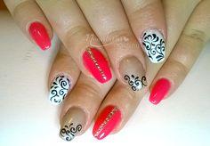 A minták szerelmeseinek. Nem csak zselés műkörömre, de gél lakkos körömdíszítésre is kiváló lehet! #nailart #manicure #moonbasanails