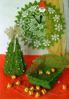 christmas crafts ideas: crocheted christmas clock, christmas tree - crafts ideas - crafts for kids Crochet Christmas Decorations, Crochet Decoration, Christmas Tree Crafts, Christmas Projects, Xmas Trees, Christmas Stuff, Crochet Santa, Crochet Home, Crochet Crafts