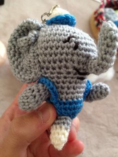 ソーイング:ゾウの編みぐるみ