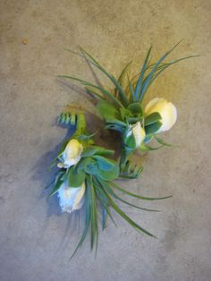 May Wedding and Events 2012 - Dragonfly Floral