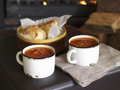 Speck-Tomaten-Suppe ist ein Rezept mit frischen Zutaten aus der Kategorie Suppen. Probieren Sie dieses und weitere Rezepte von EAT SMARTER!