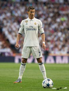 Unleashed the Power of Cristiano Ronaldo (Freekicks FIFA Juventus Fc, Cristiano Ronaldo Juventus, Juventus Soccer, Zinedine Zidane, Cr7 Messi, Neymar, Lionel Messi, Football Players, Football Memes