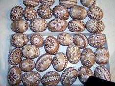 Přírodní barva a dvoubarevný vosk Egg Tree, Easter Recipes, Easter Eggs, Wax, Christmas, Patterns, Painting, Holidays, Drawing