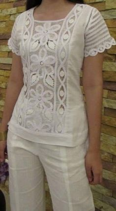 Tops for women – Lady Dress Designs Casual Skirt Outfits, Mode Outfits, Kurta Designs, Blouse Designs, Haute Couture Fashion, Blouse Styles, Corsage, Lace Tops, Ladies Dress Design