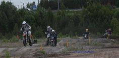 Kuljettajia radalla Imatran osakilpailussa