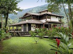 mediterranean homes for sale in australia Village House Design, Kerala House Design, Bungalow House Design, Village Houses, Bungalow Landscaping, Farmhouse Landscaping, Layouts Casa, House Layouts, Beach House Plans