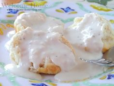 I'm from Maryland but when it comes to food, I am a true southern girl through and through. Good Morning Breakfast, Savory Breakfast, Breakfast Dishes, Breakfast Recipes, Southern Biscuits And Gravy, Southern Buttermilk Biscuits, Home Recipes, Great Recipes, Biscuit N Gravy Recipe