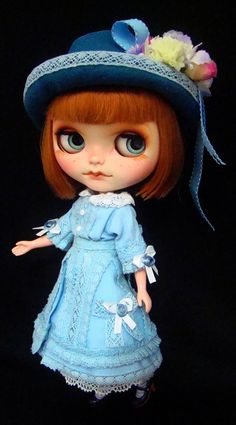 OOAK CUSTOM BLYTHE DOLL GIRL IN OLD LACE DRESS Custom by R. Szani Outfit by Wivi Szani ( Wilma Garcia)Owner: @olinthom