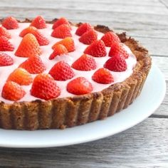 Super healthy super skinny Strawberry Cream pie. No fat, no cholesterol, no nastiness just pure deliciousness. Gluten free vegan dairy free