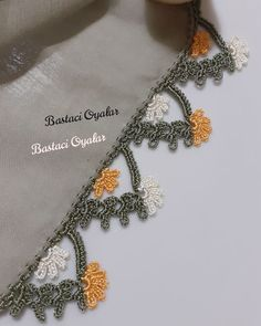 Crochet Lace Edging, Form Crochet, Filet Crochet, Embroidery On Clothes, Hand Embroidery, Crochet Decoration, Islamic Art Calligraphy, Needle Lace, Baby Knitting Patterns