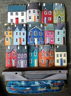 'large patchwork houses' - driftwood art from West Wales Clay Houses, Ceramic Houses, Miniature Houses, Houses Houses, Wood Houses, Mini Houses, Painted Driftwood, Driftwood Art, Beach Crafts