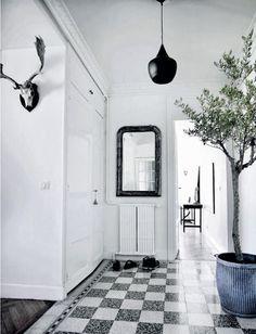 Une maison danoise sous le soleil de Cannes ... Rédaction Vinciane Fiorentini-Michel