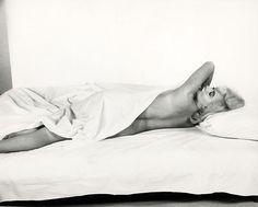 "Eve Arnold Marilyn Monroe during ""The Misfits"" 1960 Audrey Hepburn, Photos Des Stars, Steve Jobs, Marie Curie, Marilyn Monroe Photos, Norma Jeane, Old Hollywood, Movie Stars, Divas"