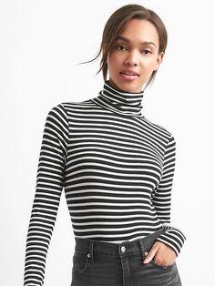 Featherweight stripe turtleneck