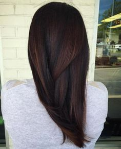 60 chocolate brown hair color ideas for brunettes - Frisuren - Cheveux Hair Color Dark, Brown Hair Colors, Brown Hair Red Tint, Dark Brown Hair With Highlights And Lowlights, Cherry Brown Hair, Fall Hair Color For Brunettes, Red Colour, Gray Hair, Chocolate Brown Hair Dye