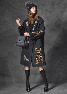 dolce-gabbana-fall-2016-collection-wonderland-accessories-bags-kittens-fashion-tom-lorenzo-site-tlo-5